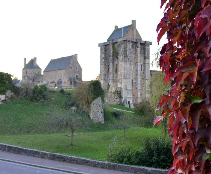 « Le saviez-vous » : le Cotentin, c'est la région des châteaux, des forts et des manoirs