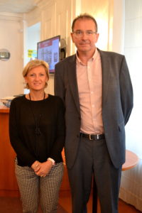 Mr et Mme Delcey - accueil et réception à Hôtel Le Louvre @agence-so-direct - Cherbourg en Cotentin - sélection adresses Cotentin Tourisme - Hôtel Cherbourg - Normandie