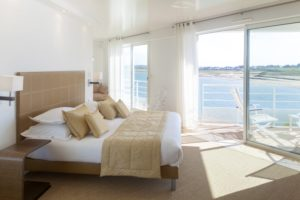 HOTEL RESTAURANT LA MARINE BORD DE MER COTENTIN TOURISME