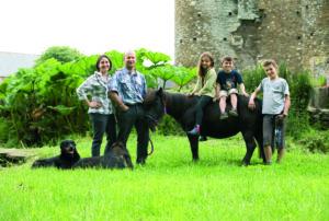 Photo des propriétaires du Manoir du Parc - Activité à faire en famille - Gîte - Sélection d'adresse Cotentin Tourisme