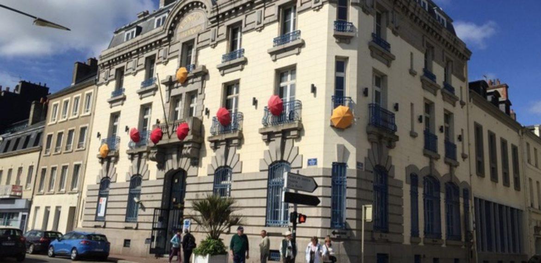 La Manufacture et son Musée des Parapluies de Cherbourg - Manufacture parapluies cherbourg facade – savoir faire artisanal @Parapluies de Cherbourg – Cherbourg – Cotentin – Manche