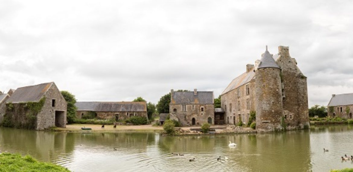 The manor houses and farmhouses of the Côte des Isles - Panorama manoir du parc 20X60
