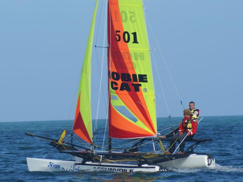 Découvrez le paradis des sports nautiques en Normandie : le Cotentin !