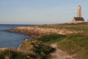 Découvrez le sémaphore du cap Levy dans le Cotentin Tourisme - Normandie : sentiers des Douaniers, randonnées, bord de mer.