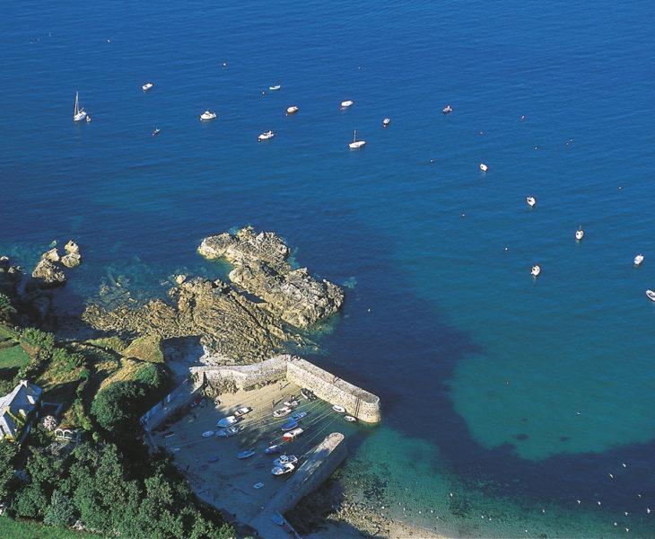 Venez visiter Port Racine dans la Manche